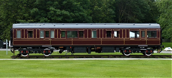 Railway carriage Saloon 45000 on display