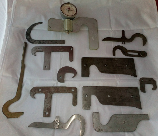 Tyre gauge set for steam locomotives.